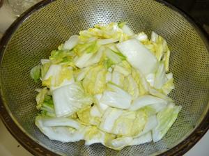 塩漬けにした後洗った白菜